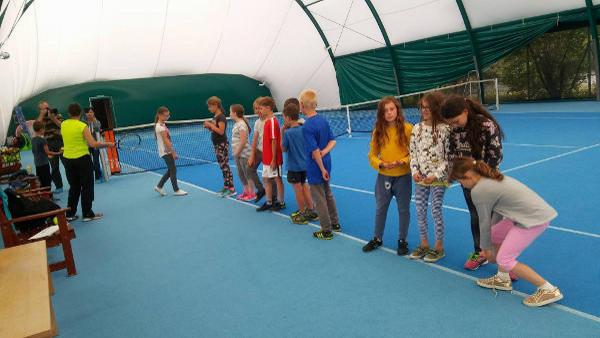 Uczestnicy obozu sportowego z Warszawy trenują w Akademii Tenisa OXFORD!